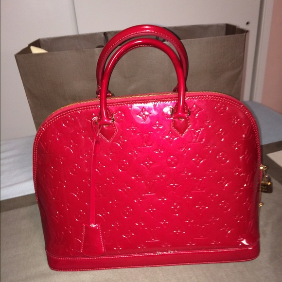 86486ffda678 Louis Vuitton Handbags - 👛ON HOLD👛 LV Vernis Alma GM Pomme D Amour