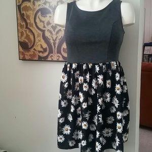 Xhilaration Dresses & Skirts - CLOSET CLEAN OUT{Daisy print dress}