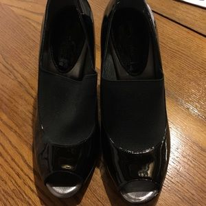 Banana republic black peep toe shoes-NEW