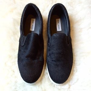 Steve Madden Black Pony Hair Slip On Flat Sneakers