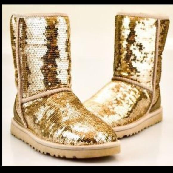 de551e82cff Classic short sparkle gold uggs NWT