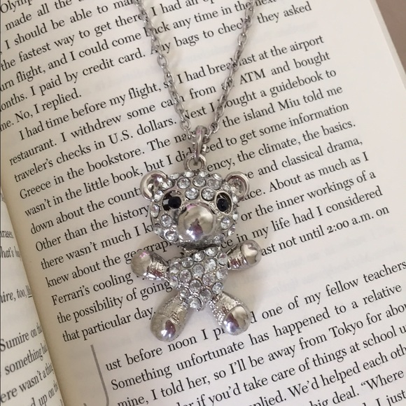 Jewelry - Final Sale ☀️ Silver teddy bear necklace