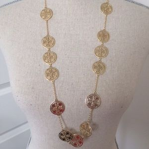 Fashion jewlery Jewelry - A MUST HAVE!! Beautiful gold long necklace