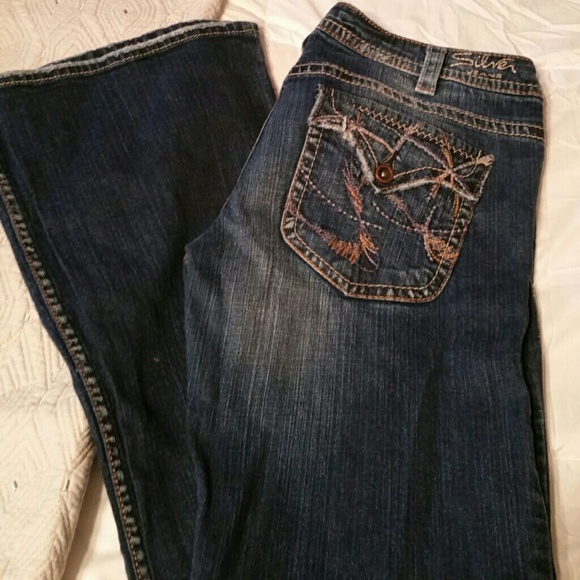 Silver Pioneer blue boot cut jeans 28X33 in great preowned condition. More details in ITEM DETAILS. Please view all pictures and enhance for best view. Contact me for any questions or concerns. My pos Silver Jeans Women's 28/30 Made In Hong Kong