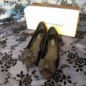 NIB Franco Sarto Black Suede Low Heel Pump Sz 6.5