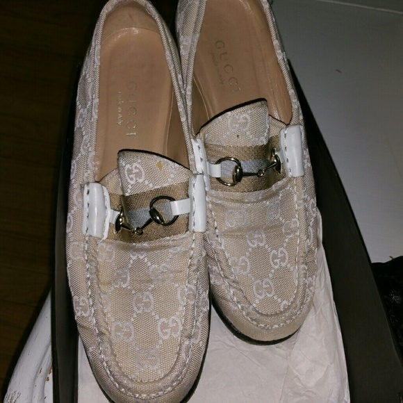 467af6dbc1d Gucci Shoes - GUCCI Woman s beige loafers. AUTHENTIC.
