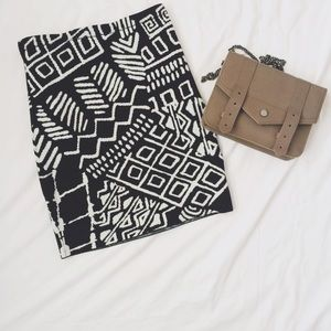 Black + white print skirt!