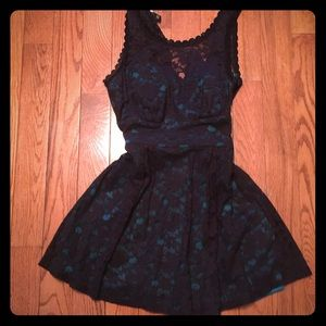 BCX Dresses & Skirts - Lace and emerald green dress