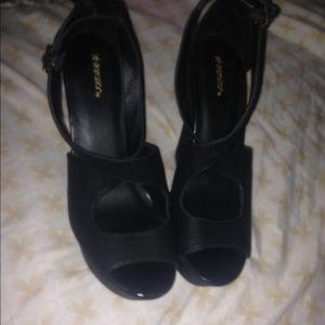 Cute Black Leather Wedges (Heels) size 8.5