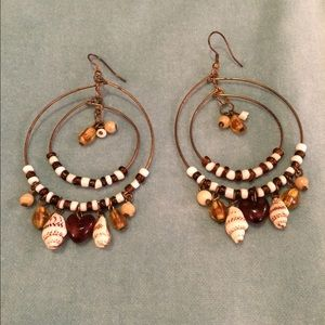 Accessories - Bronze hoops with beads and mini shells