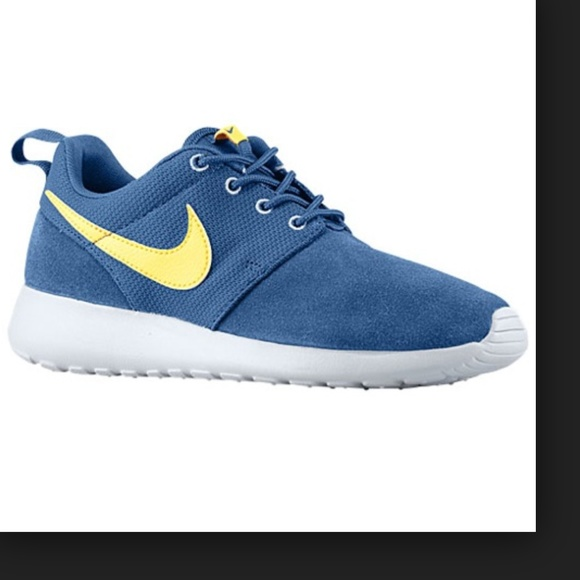 vcdjep 50% off Nike Shoes - Navy Blue, Yellow & Gray Roshe Runs from