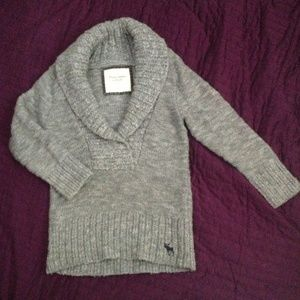 Abercrombie and fitch grey knit sweater (xs)