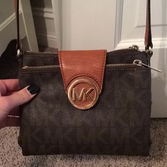 5474d75be3ff Make offer Michael Kors Fulton messenger crossbody.  M 54f39489f092822cf900bcd7