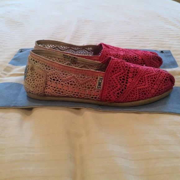 53 toms shoes pink dip dyed crochet lace toms from