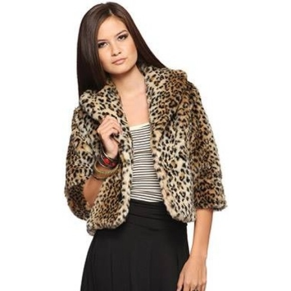 258b2d25eb93 Forever 21 Jackets & Blazers - Forever 21 Cropped Leopard Faux Fur Coat  Jacket M