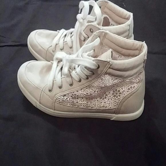 Bongo Tennis Shoes