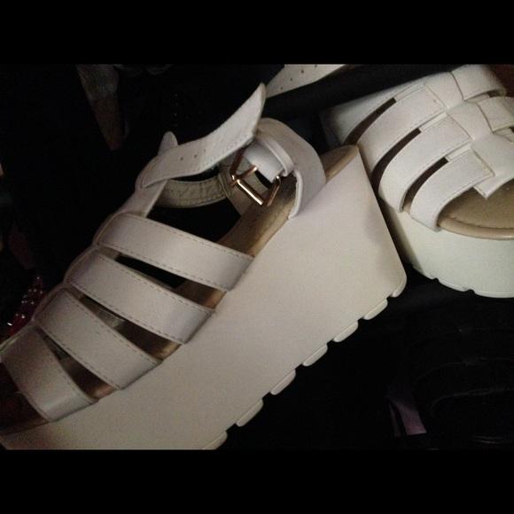 55 boohoo shoes boohoo chunky white sandal wedges