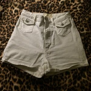 H&M white high-waisted shorts