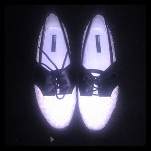 BDG woven black and white shoes