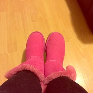 Ugg hot pink perforated Bailey button boots