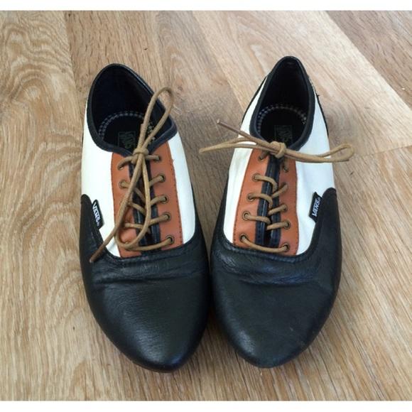 1486179a73 Vans Sophie Oxford Shoe. M 54f4d1f178b31c765a019f74