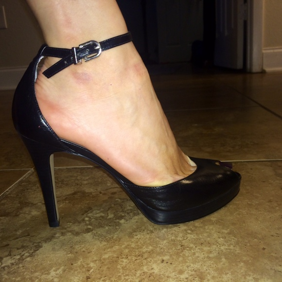 a5ee57e1d34 Sexy peep toe with ankle strap Nine West heels