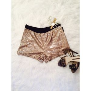 Zara Pants - 👸 zara sequined shorts 👸