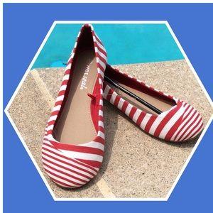 Preppy red stripe flats 6 NWT