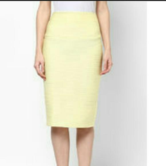60 none dresses skirts size 12 light yellow