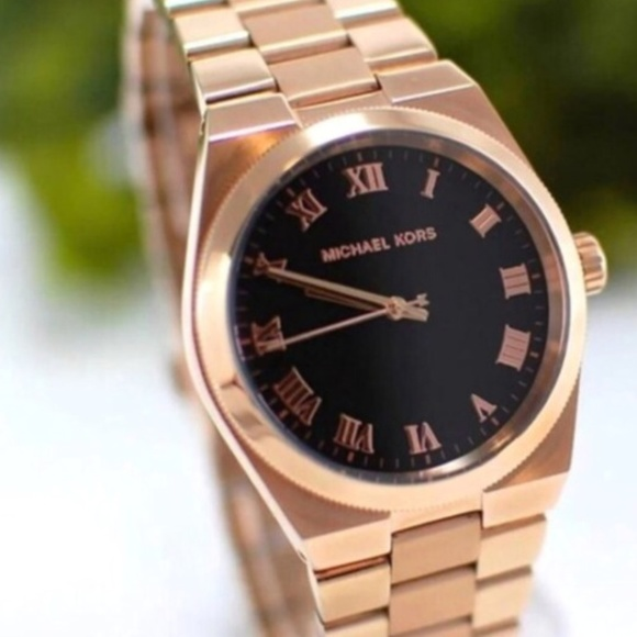 9d249ffb8d3a Ladies rose gold metallic designs are one of the most popular on the  market.Find Michael Kors watches at low prices.