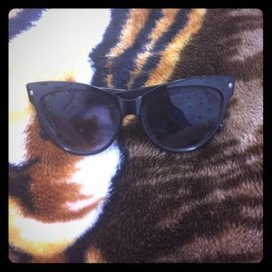 Accessories - Cat Eye Sun Glasses