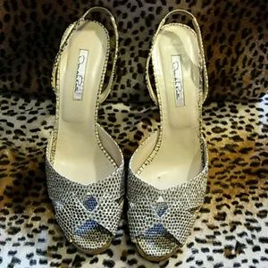 Oscar de la Renta Shoes - 🌹Oscar de la Renta snake skin cork pumps🌹