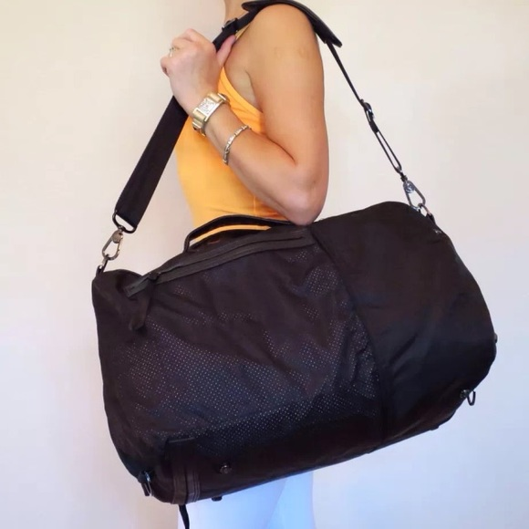 e204cd4c4e5c8e lululemon athletica Bags | Lululemon Large Do It Up Duffle Bag ...