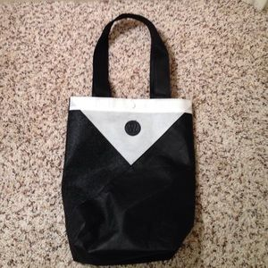 Lululemon reusable bag