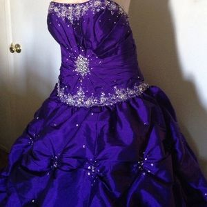 By Madellin Garner Embellished Purple Prom SZ 10