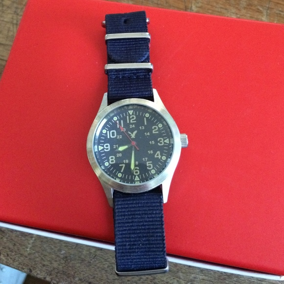 70% Off American Eagle Outfitters Jewelry - American Eagle Watch Needs Battery PRICE STOLEN From ...