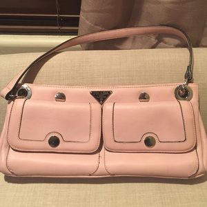 are there knock off prada purses