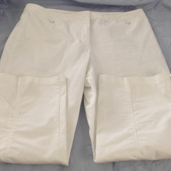 70% off jh collectibles Pants - White stretch capris from Mari's ...