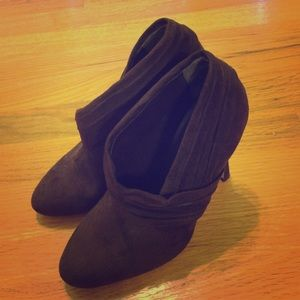 Liliana brown suede bootie - Size 6.5