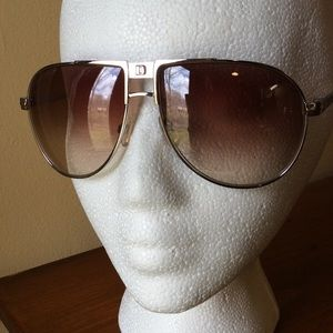 DSquared Accessories - 🎉It Girl HP🎉🌞DSquared Metal Aviators🌞