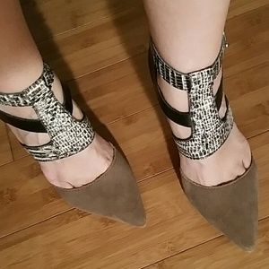 DV  Suede Pumps NWOT Brand NEW never  worn!