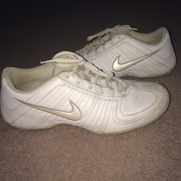5440e99e6f5 Nike Shoes - Old Nike Cheer Shoes