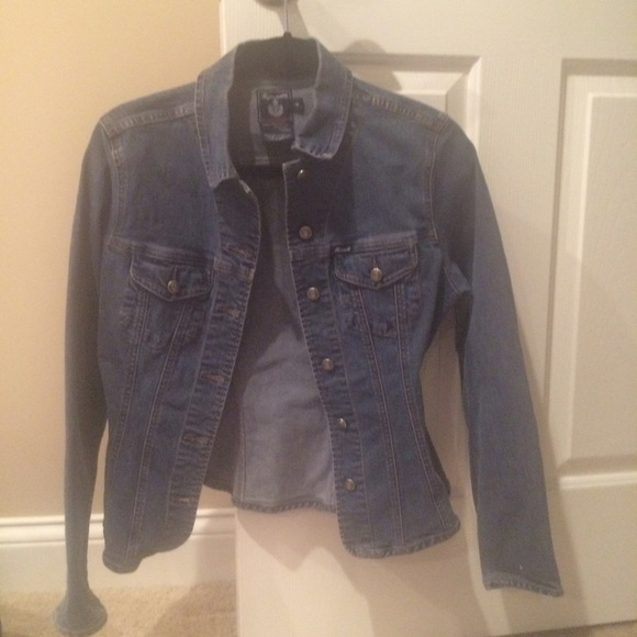 4306c25996 Facconable Jackets   Blazers - Faconnable jean jacket. Size small. With  stretch