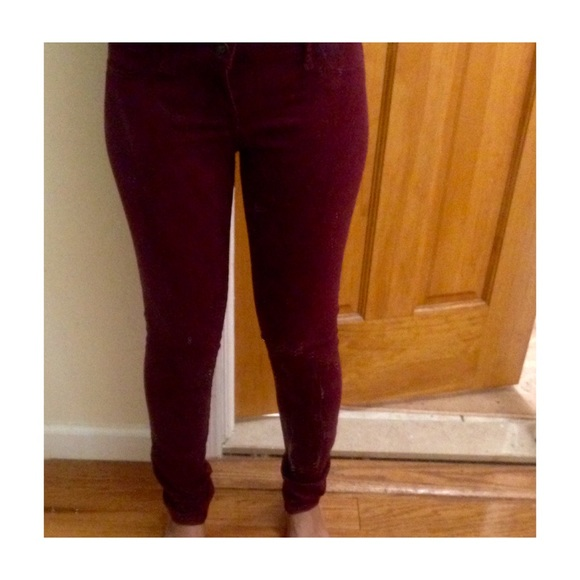 hollister burgundy jeans