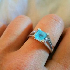 Jewelry - Genuine Topaz Ring