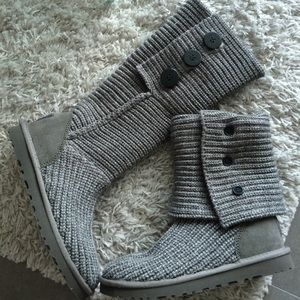 UGG classic cardy in gray