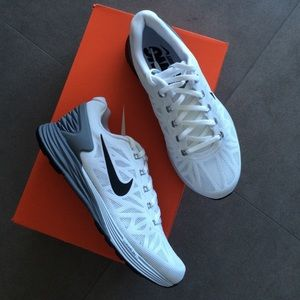 NEW authentic NIKE lunarglide 6