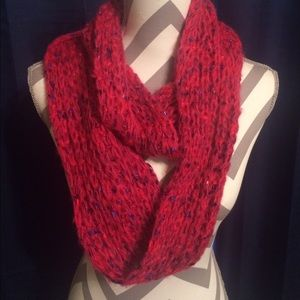 Accessories - Nwot pink knit infinity scarf