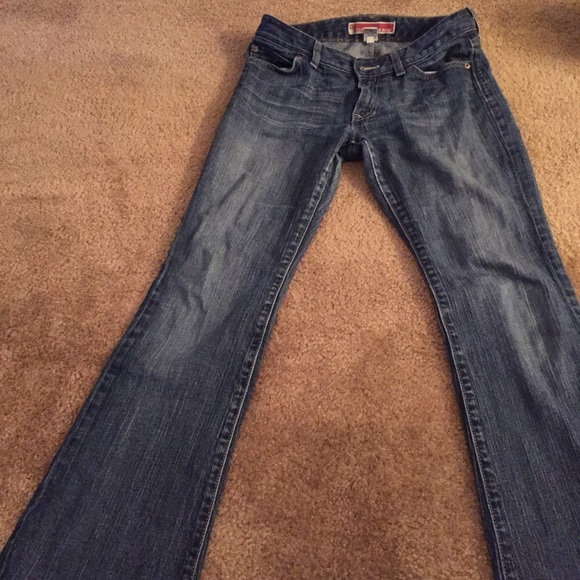 Shop Old Navy's Original Boot-Cut Jeans for Women: If you were devoted to the Diva or Flirt fit, the Original fit is for you.,Great for all shapes, our super skinny with unbelievable stretch to flatter all.,Tag-free label inside back waist for added comfort.,Enzyme washed for extra softness.,Felled inseams inside back yoke for a flattering fit.,Soft, durable denim, with comfortable stretch.