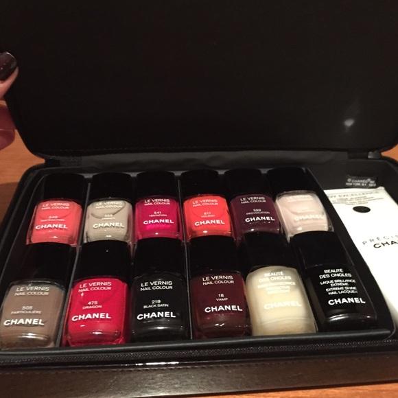 Chanel Nail Polish Set Does Not Come W Gold Box